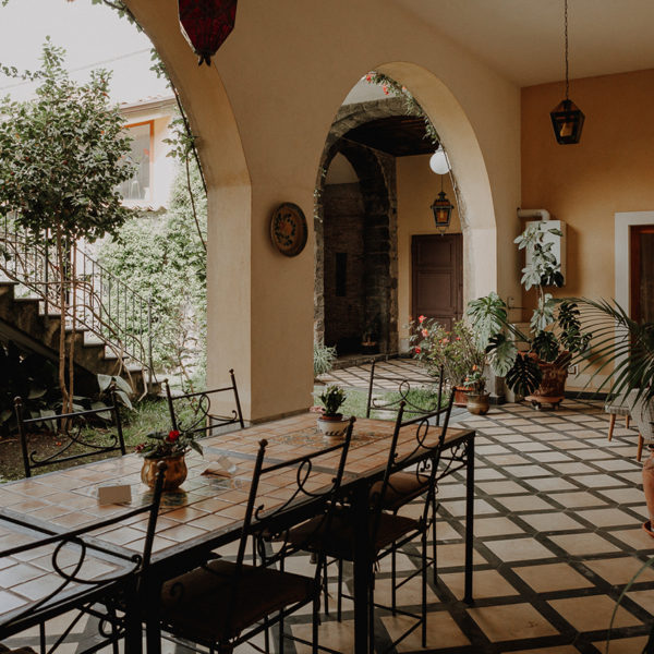portico-giardino-la-baronessa-beb